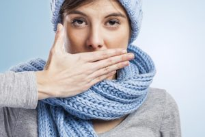 10 tricks to fight the cold in the office